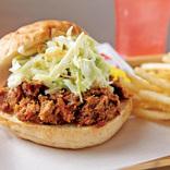 豚のかたまり肉がほろっほろに。人気BBQ料理「プルドポーク」を味わう