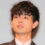 菅田将暉、撮影現場に大量の牛乳が置かれていることに悩み 「帰ればあるし!」