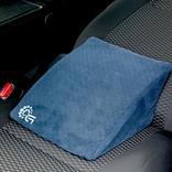 車中で快適な休憩を実現するリクライニング専用クッションの先行販売が終了間近