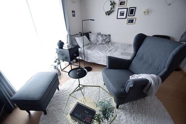 モノトーンがクールな一人暮らし向けのお部屋実例