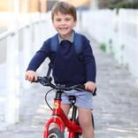 """ルイ王子が3歳に 記念写真に写った自転車が""""ロイヤル効果""""で即完売"""