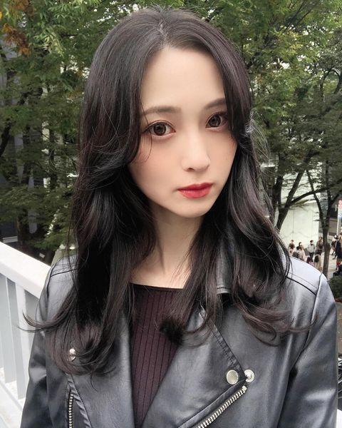 ミステリアスな韓国風黒髪ロング