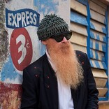 ZZトップのビリー・F・ギボンズ、新曲「デザート・ハイ」のMV解禁「砂漠は本当に神秘的な場所」