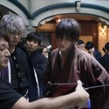佐藤健が壁を走り、新田真剣佑・土屋太鳳が超身体能力! 『るろ剣』アクション練習