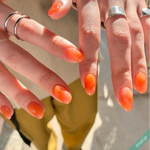 オレンジのワンカラーネイル