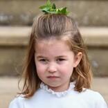英シャーロット王女が6歳に! ロングヘア姿が美しいポートレート公開