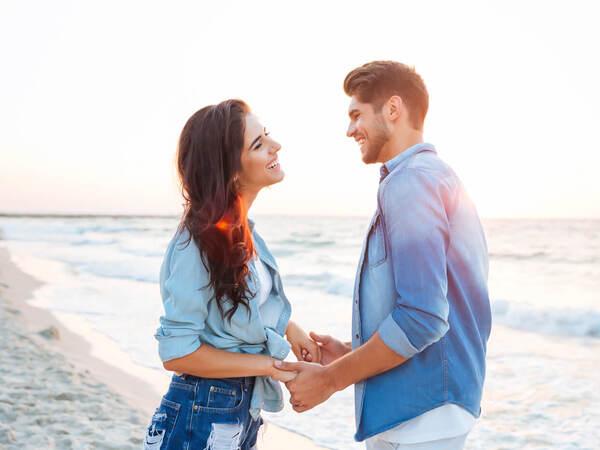女性から交際前に言われて、男性がドキドキするひと言4つ