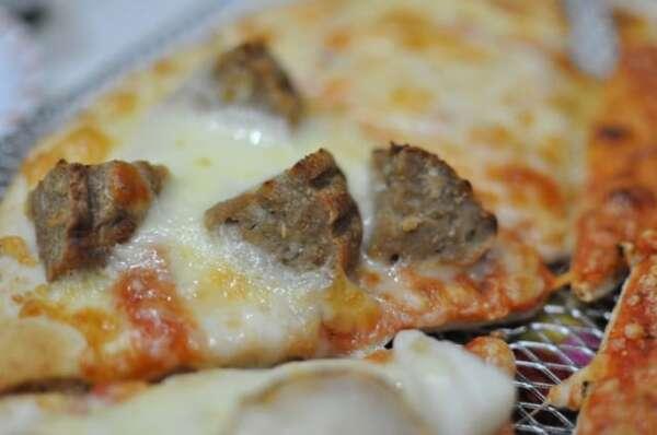 業務スーパー「ピザマルゲリータ」ハンバーグ