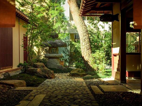 界 加賀 前庭