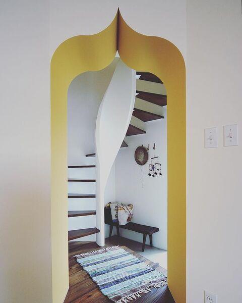 螺旋階段つき玄関