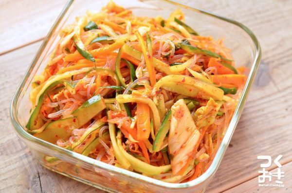 韓国風副菜レシピ♪春雨キムチサラダ