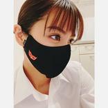 石川恋、マスク姿公開「座長の木村拓哉さんが差し入れ」