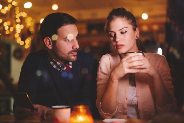 女性に言われると悲しい…男性が凹んでしまう意外なひとことって?
