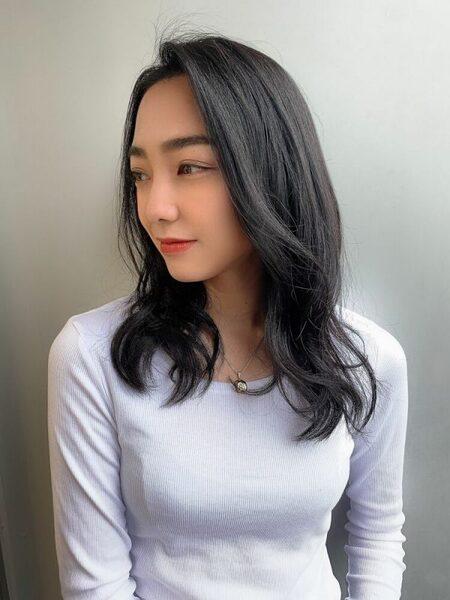 夏らしいセミロングの髪型10