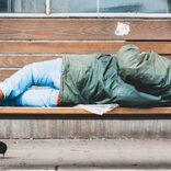 ホームレス男性救済に称賛かと思いきや… 「自立させるのが先」とシビアな意見も