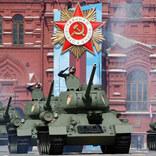 当時の戦車も参加!対独戦勝記念日にロシア各地で軍事パレード