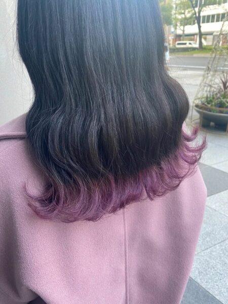 バイオレットの裾カラー×セミロング