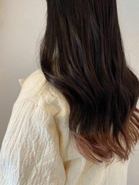 ベージュの裾カラー×ロングヘア