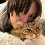 """松井玲奈、1歳だった保護猫を迎えて約5年「警戒心が強くて大変でした」""""ネコ吸い""""坂本美雨は11年暮らし「もう倍生きていこう」"""