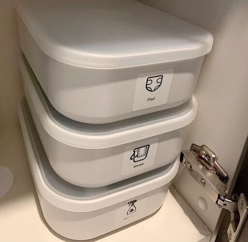 トイレでは掃除用品のストック入れや、衛生用品入れとして使用