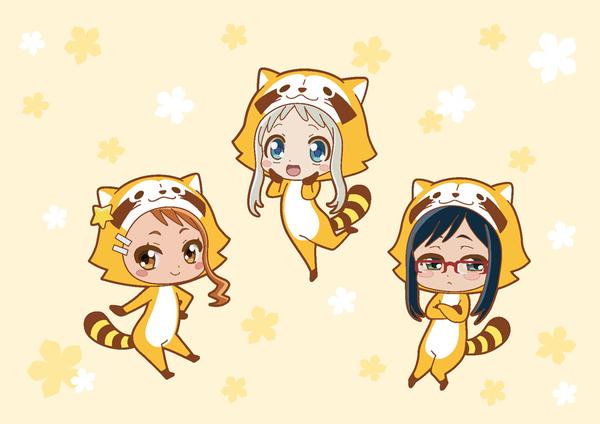 女子3人がラスカルの着ぐるみを着たキュートなアート