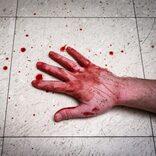 孤独死した住人の血液がアパート下階に滴り… 「まるでホラー映画」の惨状に