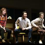 逆再生ミュージカル『メリリー・ウィー・ロール・アロング』が新演出で鮮やかに蘇る