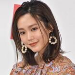 桐谷美玲、愛犬とまったりオフショット 「翔平くんが撮ったのかな」「すっぴん?」と反響
