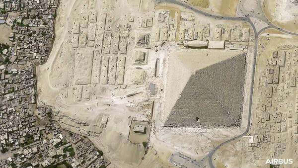 プレアデス・ネオ3号機が撮影したエジプトのピラビッド(Image:Airbus)