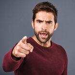 すぐに離れて!付き合わない方がいい「ヤバい男性の特徴」5選