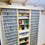 【あと8本でコンプ】棚一面のゲームボーイコレクションに衝撃の声!「憧れます!」「コレは、国宝」