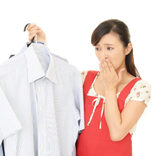 在宅勤務で夫の臭いが気になる妻は8割以上! 「夫のニオイが気になるシーン」はどんな時?