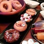 「ドーナツ食べ放題」が超充実!! 無料トッピングで味変&デコオプションも豊富♪