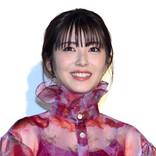浜辺美波、『映画 賭ケグルイ』予定通り公開の場合「10回ジャンプ」の公約