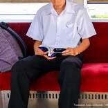 電車内で勉強する男子高校生に、強面の男性が告げた『予想外なひと言』