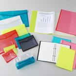 キングジムの「透明」な新アイテムたちがかわいすぎる! バッグインバッグやペンケースもあるぞ…