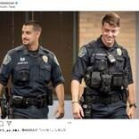 燃え盛る車から男性を救った2人の警察官、「イケメン」ゆえ更に注目が集まる(米)<動画あり>