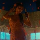 降りしきるバラの雨の中、美女のダンスに釘付け! 『ベル・エポックでもう一度』本編映像解禁