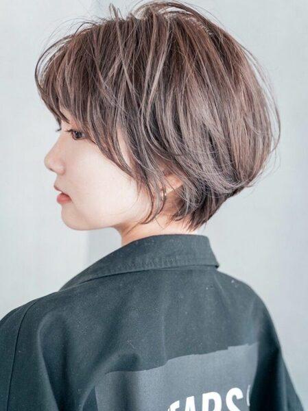 最新のエアリーな大人ショートアレンジヘア