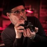 『MINAMATA』ジョニー・デップ演じる伝説の写真家 本人とそっくりの比較写真解禁