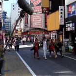 日本各地で大規模ロケ『唐人街探偵』メイキング映像公開 妻夫木聡のNGシーンも