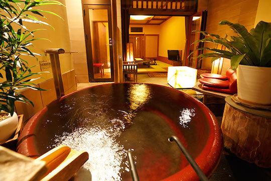 半露天風呂付き客室「珊瑚」