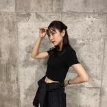 石川恋、へそチラっ!夏のブラックコーデ姿でファン魅了