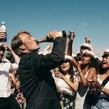マッツ・ミケルセンが飲む、踊る、舞う!『アナザーラウンド』本予告解禁