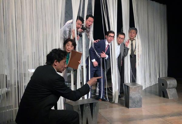 俳優座公演『インク』(ジェイムズ・グレアム作、眞鍋卓嗣演出)稽古場風景。