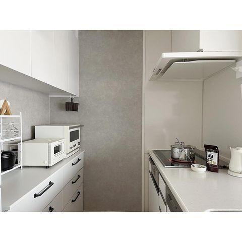 清潔感溢れるホワイトインテリアキッチン