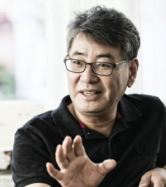 Director_CHO Chul-hyun (002).jpg
