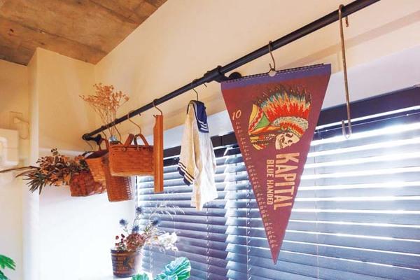 窓際のコレクションスペース