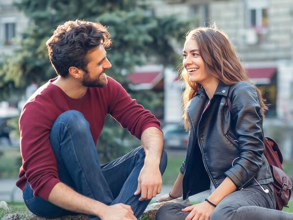 口下手な女性でも…初対面の男性と盛りあがれる会話術