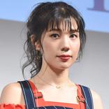 仲里依紗、美脚際立つ個性派ショーパンコーデSHOT公開「足ほっそっ」「顔ちっさ」